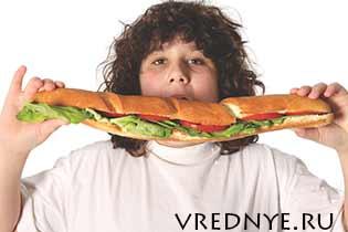 Что такое переедание: симптомы, причины и лечение